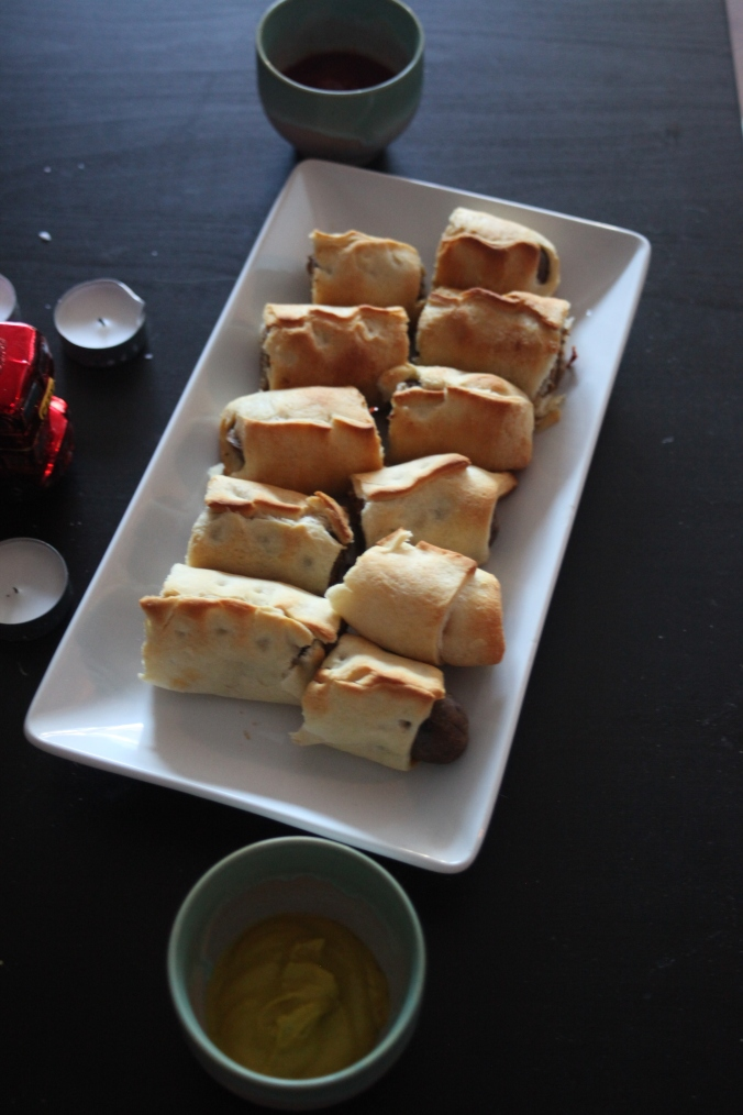 Vegan Sausage Rolls, British Dinner Party | Stile.Foto.Cibo