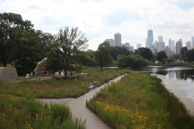 Chicago Skyline and the Nature Boardwalk Peoples Gas Education Pavillion at Yoga at the Zoo, Lincoln Park Zoo | Stile.Foto.Cibo