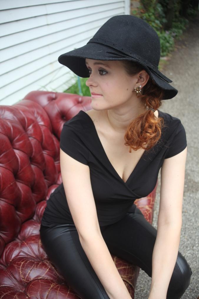 DSW hat, Sam & Libby Heels | Stile.Foto.Cibo