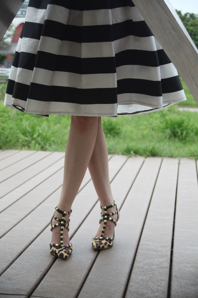Striped Skirt & Graphic T | Stile.Foto.Cibo